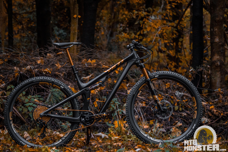 Yeti SB100 2019 Black and Gold - Custom Build XC Bike - MTB Monster